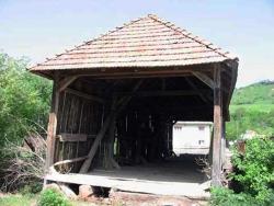 Nagykadács, fedeles híd