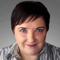 Faluvégi Anna író, költő, újságíró
