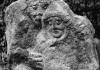 Benczédi Sándor szobra saját síremlékén