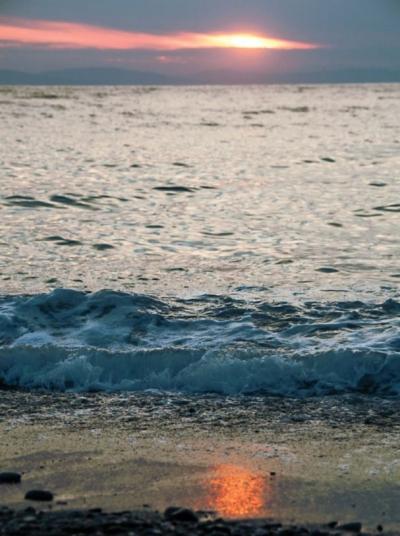 Hajnal a vízparton