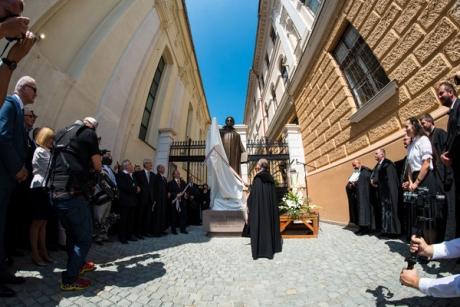 Dávid Ferenc szobor, Kolozsvár